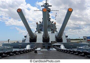 guns on battle ship - large guns on battle ship