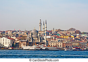 Istanbul harbor - Busy Istanbul harbor in the morning