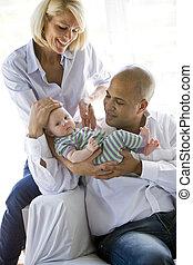 bebé, amoroso, padres, brazos,  dad\'s