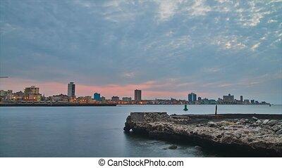 Dusk in Havana from El Morro,time lapse