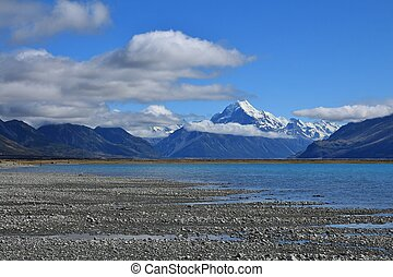 Lake Pukaki and Mt Cook - Morning scene in the Southern...