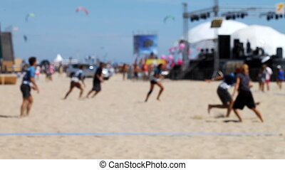 people playing frisbee on the beach Full HD