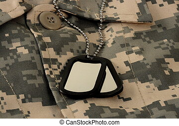 digital fatigue shirt camouflage  and dog tag chain