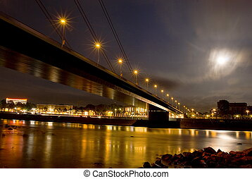 bridge over rhine in duesseldorf at night