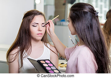 make-up artist doing make up - make-up artist doing...