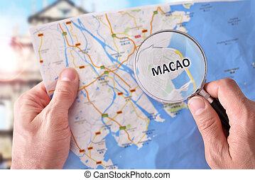 hombre, el consultar, Un, mapa, de, Macao, con, Un,...