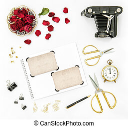 Flat lay roses flowers vintage camera photo frames - Flat...