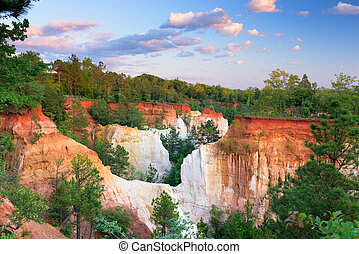 Providence Canyon Park - Providence Canyon in Southwest...