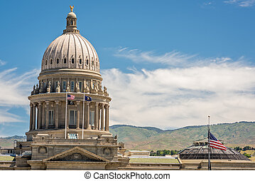 Flapping flags on the State Capital building