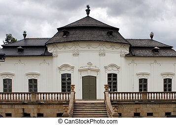Front view Villa Mitrovsky in Brno