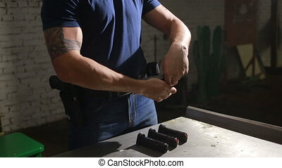 commando charges rifle ammunition clip. pistol shooting -...