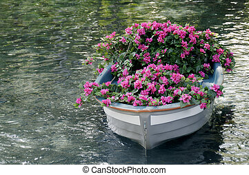 Boat of Flowers