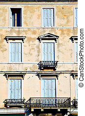Windows with jalousie in Venice, Italy