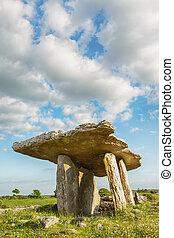5000, años, viejo, Polnabrone, Dolmen, en, Burren,...
