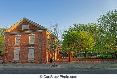 Red Brick Building In The Old City In Philadelphia ...