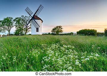 Sunrise at Ashton Windmill - Beautiful Ashton Windmill at...