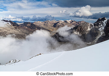 Cordillera Real mountain range - View of Cordillera Real...