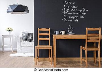 pequeno, jantar, sala, com, quadro-negro, parede,
