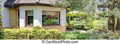 House with bay window