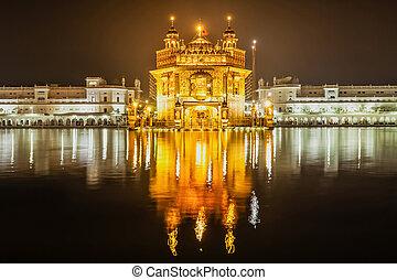 Golden Temple Harmandir Sahib in Amritsar, Punjab, India