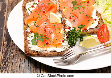 appetizer,toast with salmon