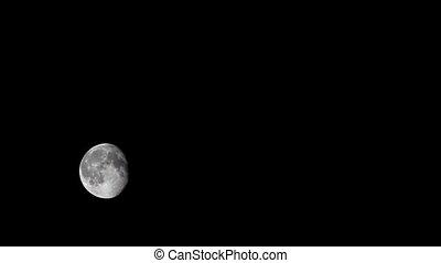 Waning gibbous moon Timelapse - Waning gibbous moon Time...