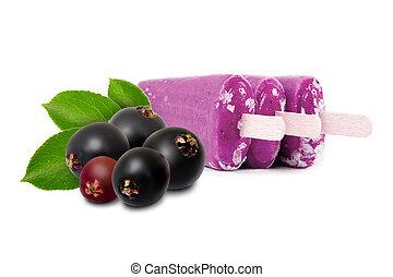 Elderberry Ice Cream - Photo of elderberry ice creams with...