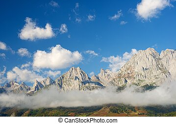 Pyrenees - Peaks in Lescun Cirque. On the right Billare...