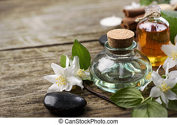Essential Oils - Essential oils with jasmine, cinnamon and...