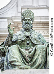Pope Sixtus V - An image of a statue of Pope Sixtus V in...