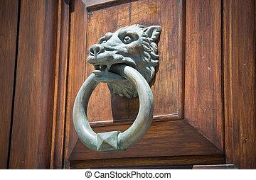 Wolf Head Doorknocker.