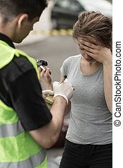 Woman injured in traffic accident - Photo of woman injured...