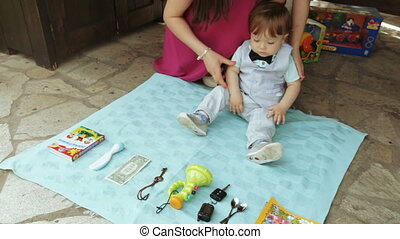 Child chooses his future - People divination year-old baby...
