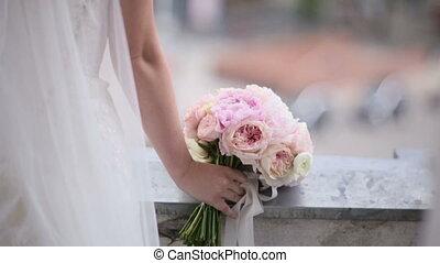 beatiful white bride garter