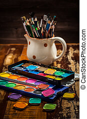 Watercolors and brushes - Different used brushes, colours...