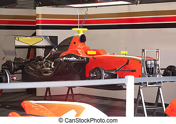 Racing car Formula 1 maintenance - Racing car Formula 1 is...