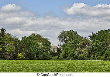 Woerlitzer Park, Venus Temple behind trees