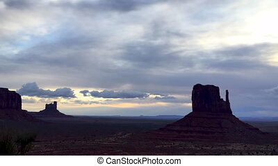 Monument Valley Cloudy Sunrise Time-lapse - Monument Vally...