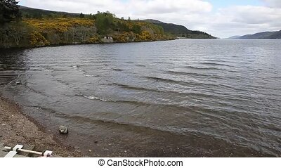 Loch ness Scotland uk tourist - Loch ness Scotland uk...