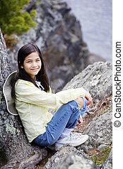 niña, Sentado, roca, acantilado, borde