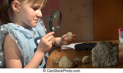 look at quartz - little girl look at the quartz chrystal...