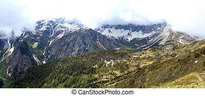 view on a mountain face in the austrian alps
