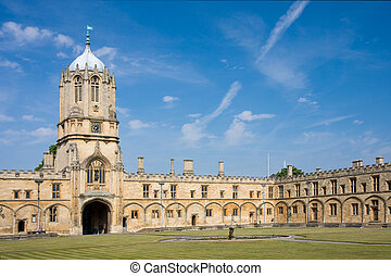 Christ Churchs Tom Tower, Oxford University - The imposing...