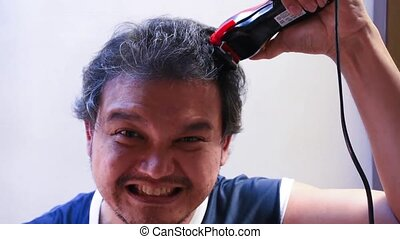 Asian man hair cut by myself - Asian man use equipment...