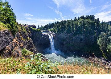 Waterfall in Washington - The beautiful Snoqualmie waterfall...