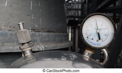 Pressure gauge - Gauge working on pressure gauge