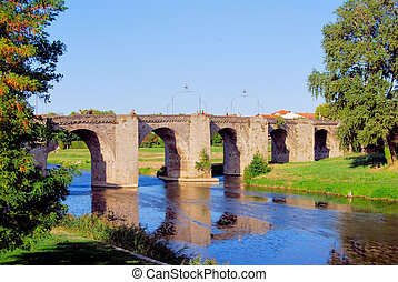 Bridge to Carcassonne - The bridge that links the ancient...