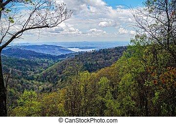 Jocassee Lake - Whitewater Falls, North Carolina, USA