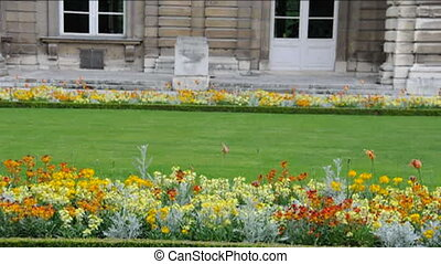 luxembourg gardens palace paris