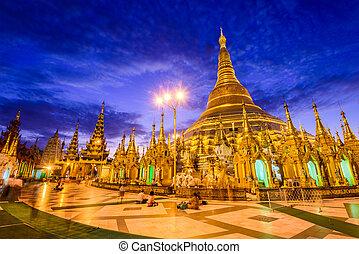Shwedagon Pagoda of Myanmar - Shwedagon Pagoda in Yangon,...